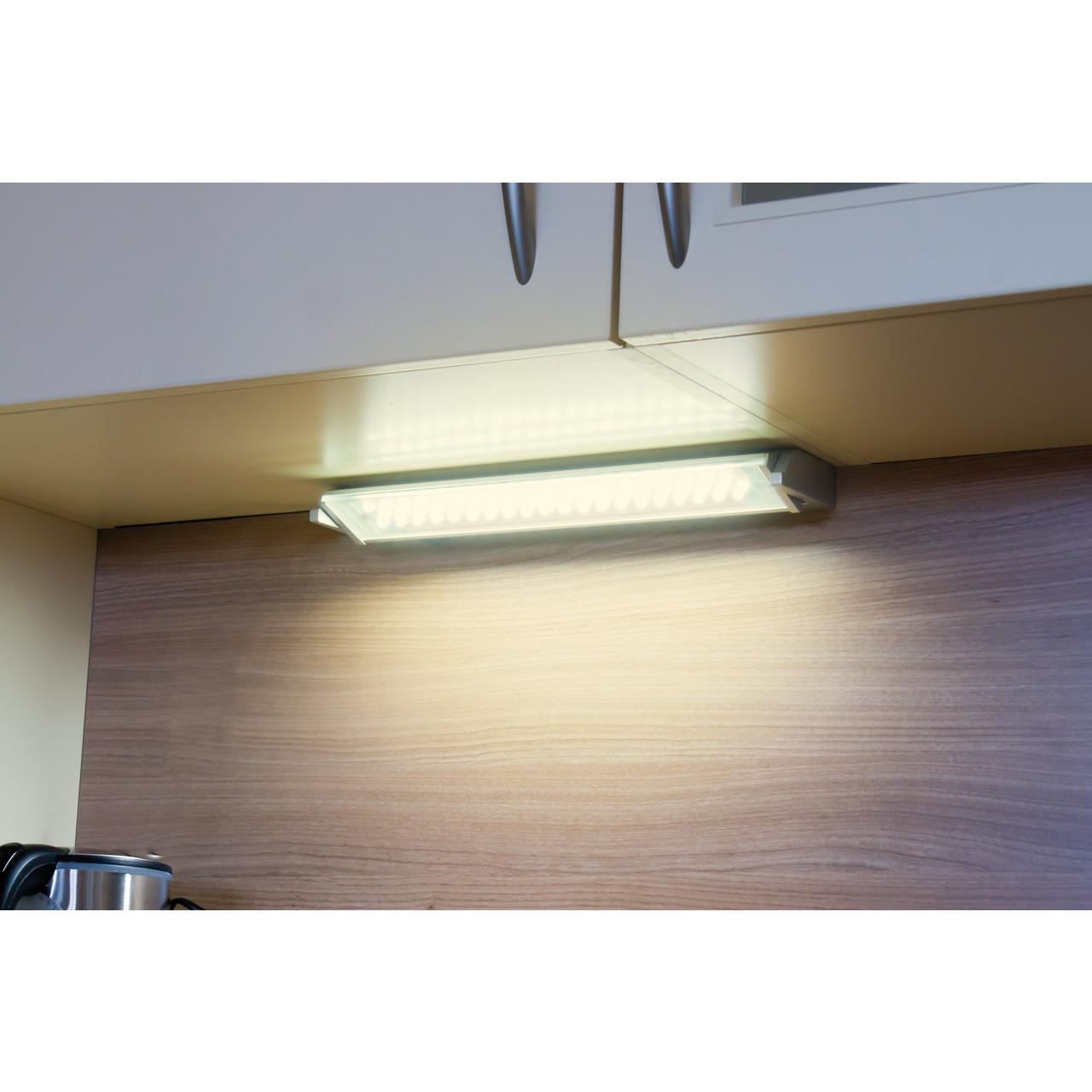 Heitronic Schwenkbare LED-Unterbauleuchte MIAMI- 5 W- 370 lm- warmweiss- 35 cm